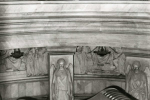 hitler-visits-napoleon-grave
