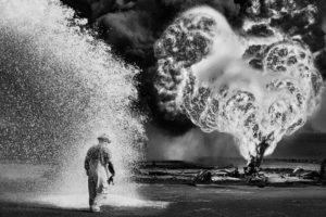 kuwait-oil-well-firefighter